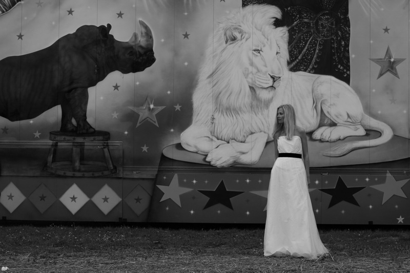 Elfenkleid: Black & White Kollektion, Foto: Michael Dürr